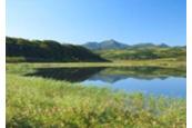 湖面に映る逆さ礼文岳